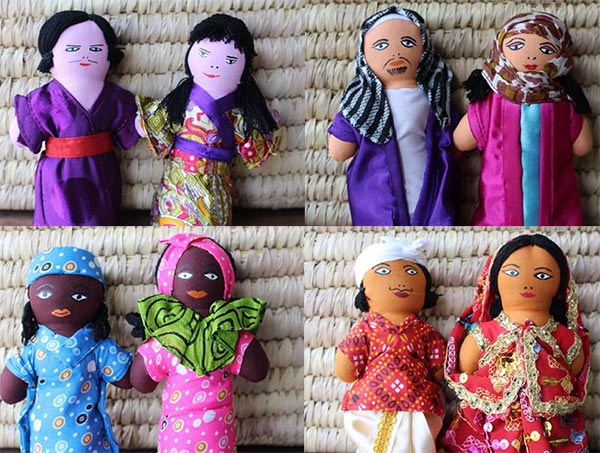 pack 4 multicultural dolls